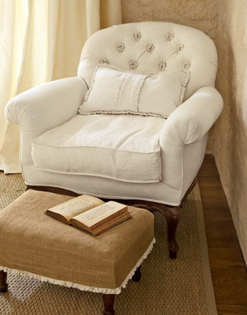tufted-rosettes-white-chair-gtl0407-de1