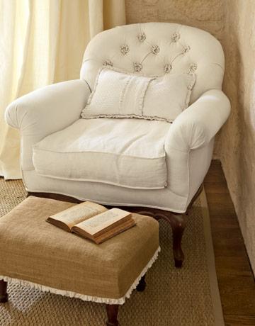 tufted-rosettes-white-chair-gtl0407-de1