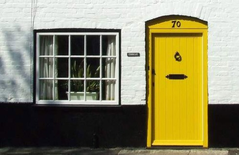 yellow-door-500