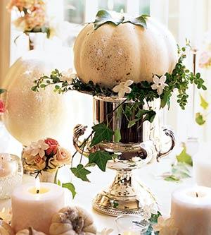 white-pumpkin-centerpiece