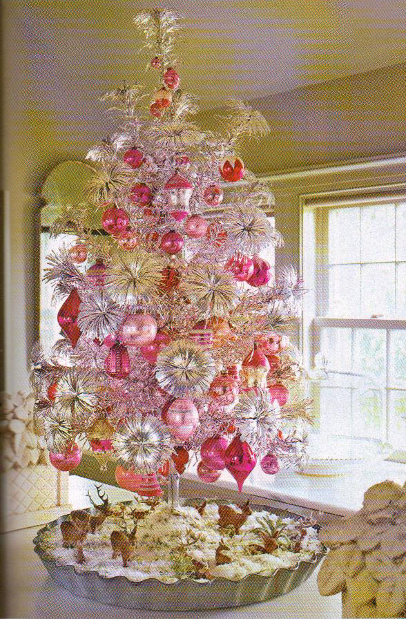 i have never seen a tinsel tree with rosette branch tips before but apparently these were really popular back in the 60s - Year Round Christmas Tree